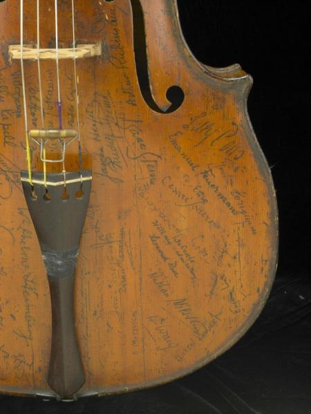 Signatures on the lower treble side of the Rovatti Cello