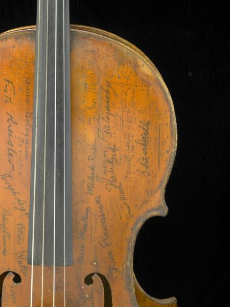 Signatures on the upper treble side of the Rovatti Cello